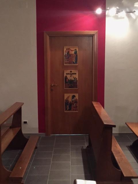 la porta della sacrestia con le icone dei centurioni