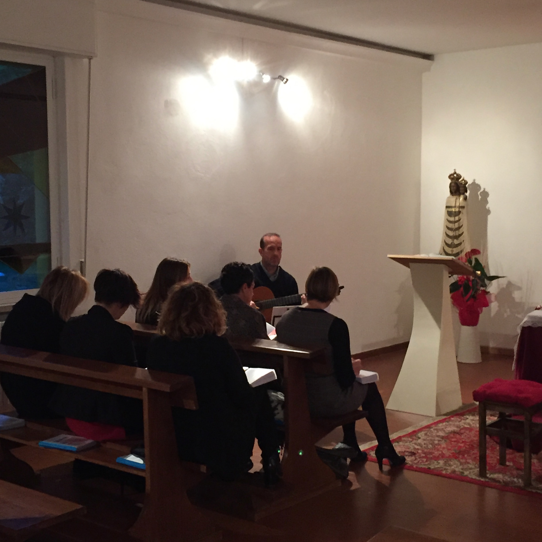 il Coro prova i canti per la Liturgia