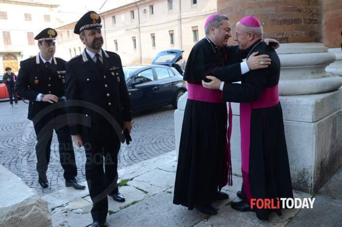 La messa di precetto pasquale  Forlì 2015 il Vescovo Lino Pizzi con l'Ordinario Militare Santo marcianò