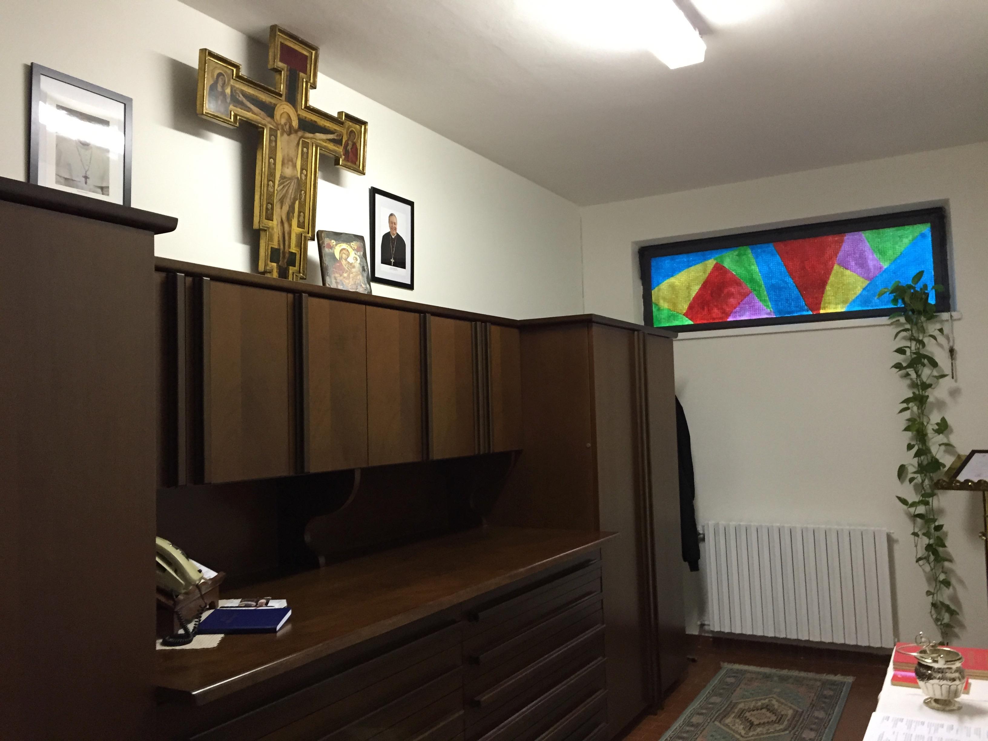 la Sacrestia rinnovata con vetratat a colori